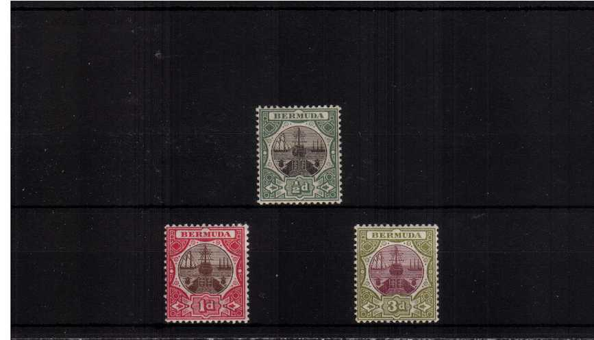 The watermark ''Crown CA'' complete set of three lightly mounted meet. 